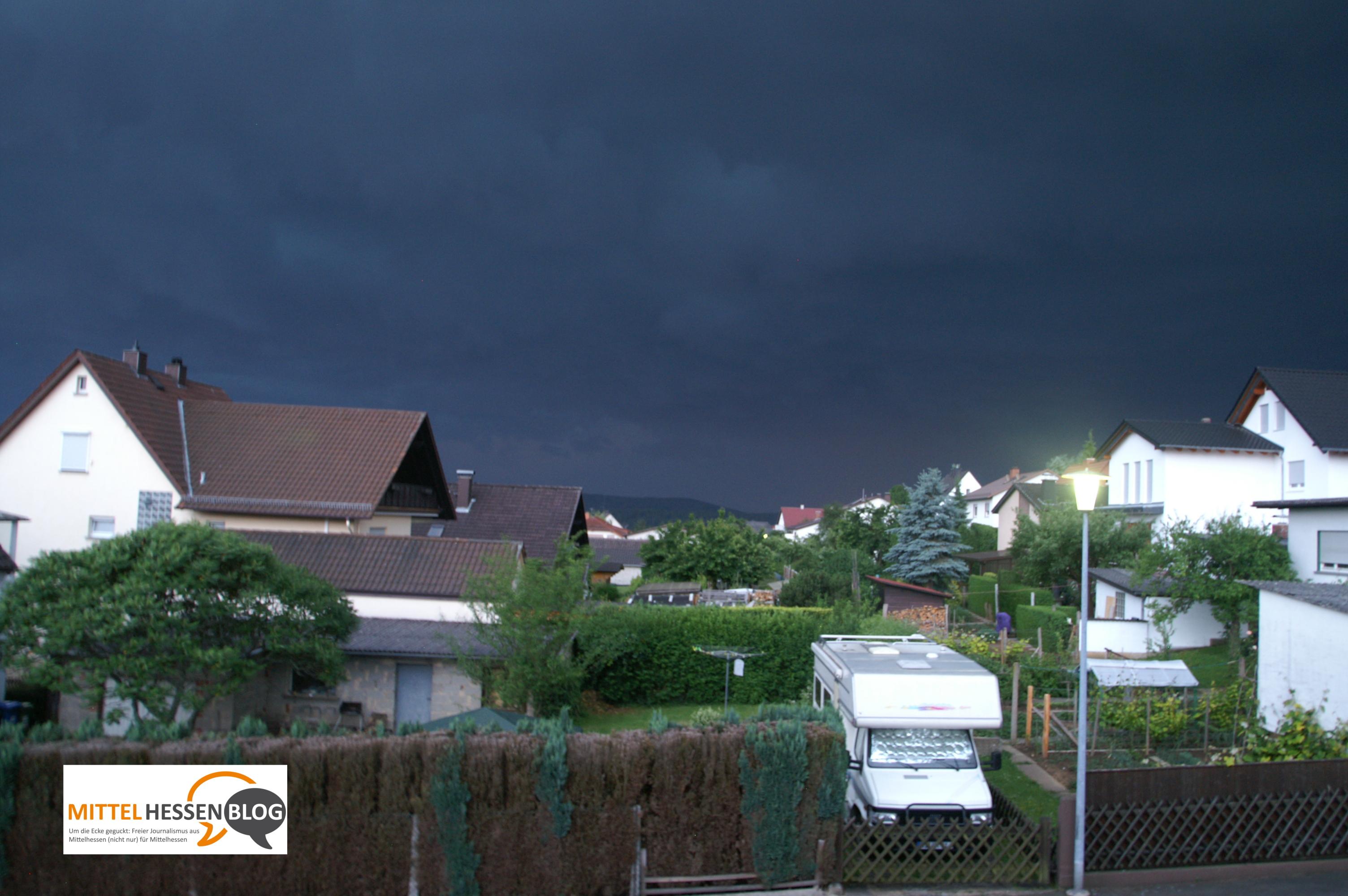 Wetterphänomene wie diese Sturmfront im Mai 2007 über Mittelhessen sprechen für die Mahnungen des Club of Rome.