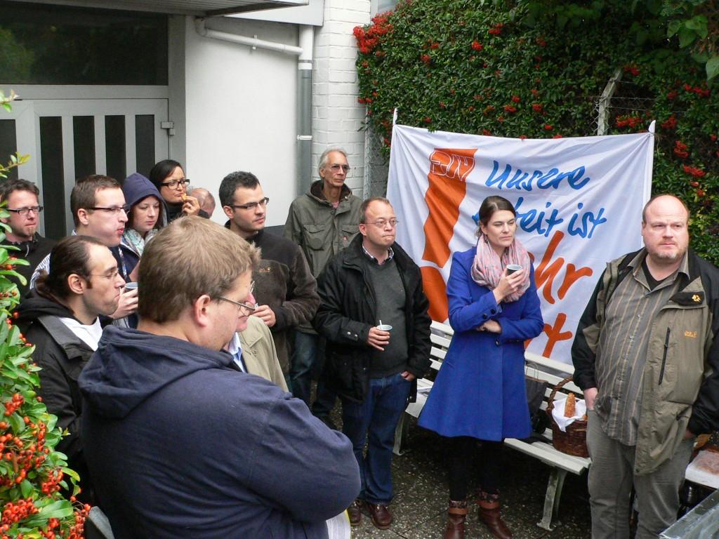 Redakteure der Oberhessischen Presse nutzen Mittagspause für Protest.