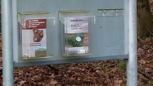 Neuzeitliche Vandalen bei alten Kelten: Infoständer am Keltentor in Biebertal ramponiert