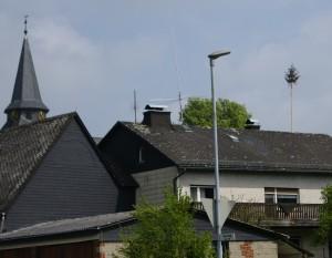Maibaum in Mittelhessen — und das Nachbardorf ist wieder Rivale.…..
