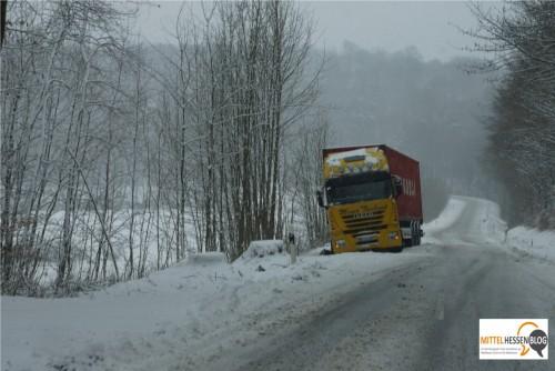 Dieser Transporter aus dem niedersächsischen Gifhorn lag ebenso fest......