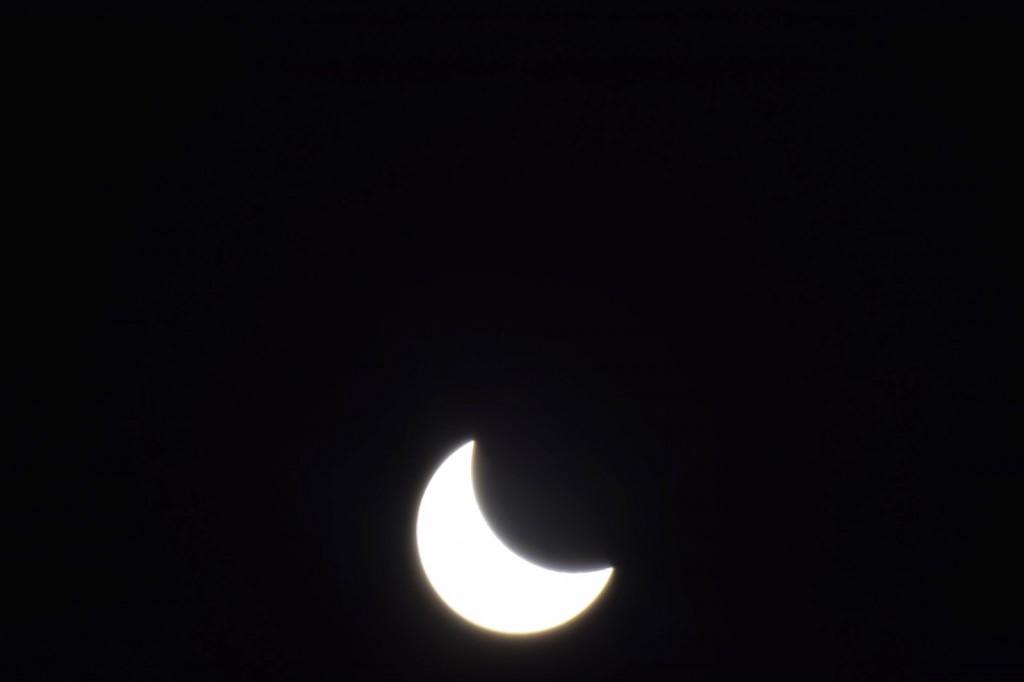 Matthias Kipper hatte die Sonnenfinsternnis im Vogelsberg beobachtet. Dem Mittelhessenblog stellte er die Serie zur Verfügung.