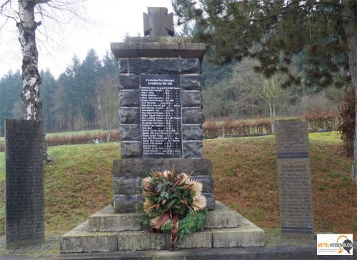 Das Eiserne Kreuz gehört ebenfalls zur Grundausstattung jedes Gefallenendenkmals für die deutschen Gefallenen des Ersten Weltkriegs wie hier in Bischoffen im Lahn-Dill-Kreis. Foto: v. Gallera