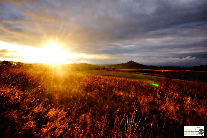 In magisches Licht getaucht: Das Gleiberger Land im mittelhessischen Kernland unter den Strahlen der Oktobersonne.Bild: v. Gallera