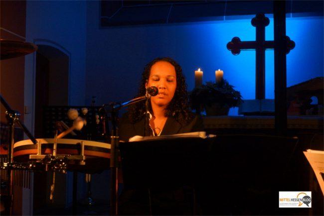 Jennifer Simpson setzt für ihre Musik lieber auf klassische Instrumente als Computerklänge Foto: v. Gallera