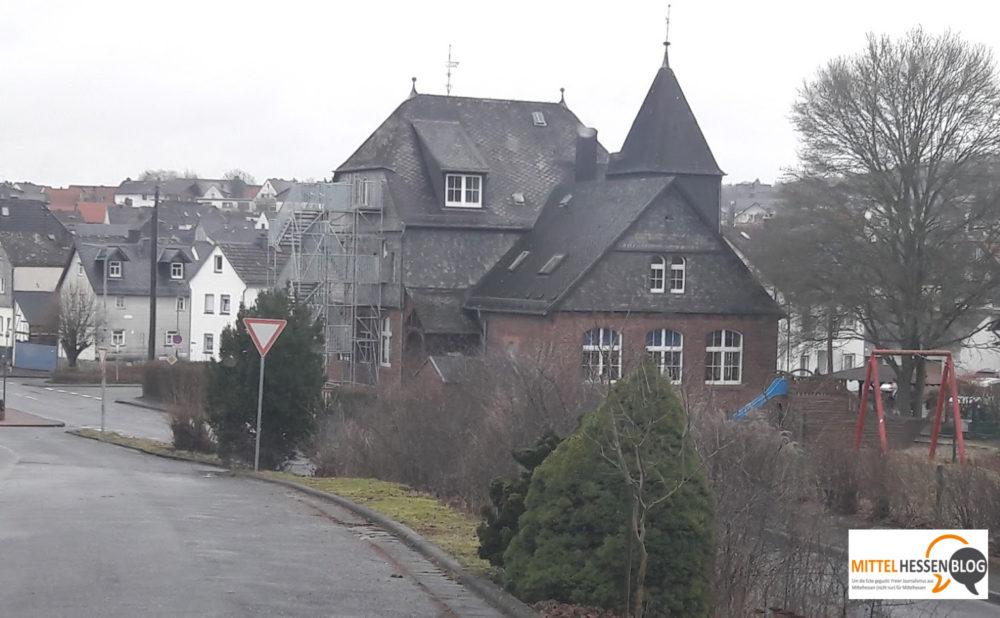 Noch ist das alte Schulgebäude in Erda Kindergarten. Foto: v. Gallera