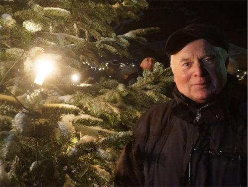 """Für Hartmut Geller war es eine """"Herzensangelegenheit"""", die Burg und die Weihnachtsmarktidee zusammenzubringen. Bild: v. Gallera"""